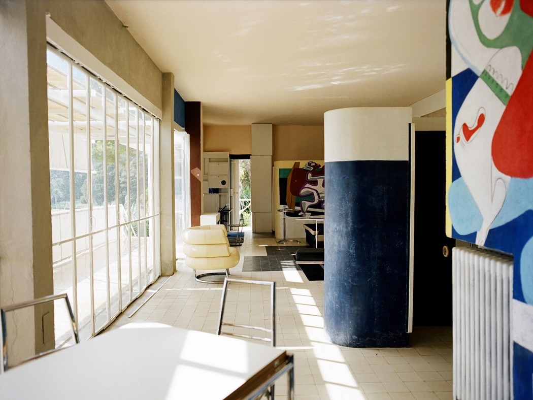 Inside eileen gray 39 s modernist haven e1027 another for E design interior design