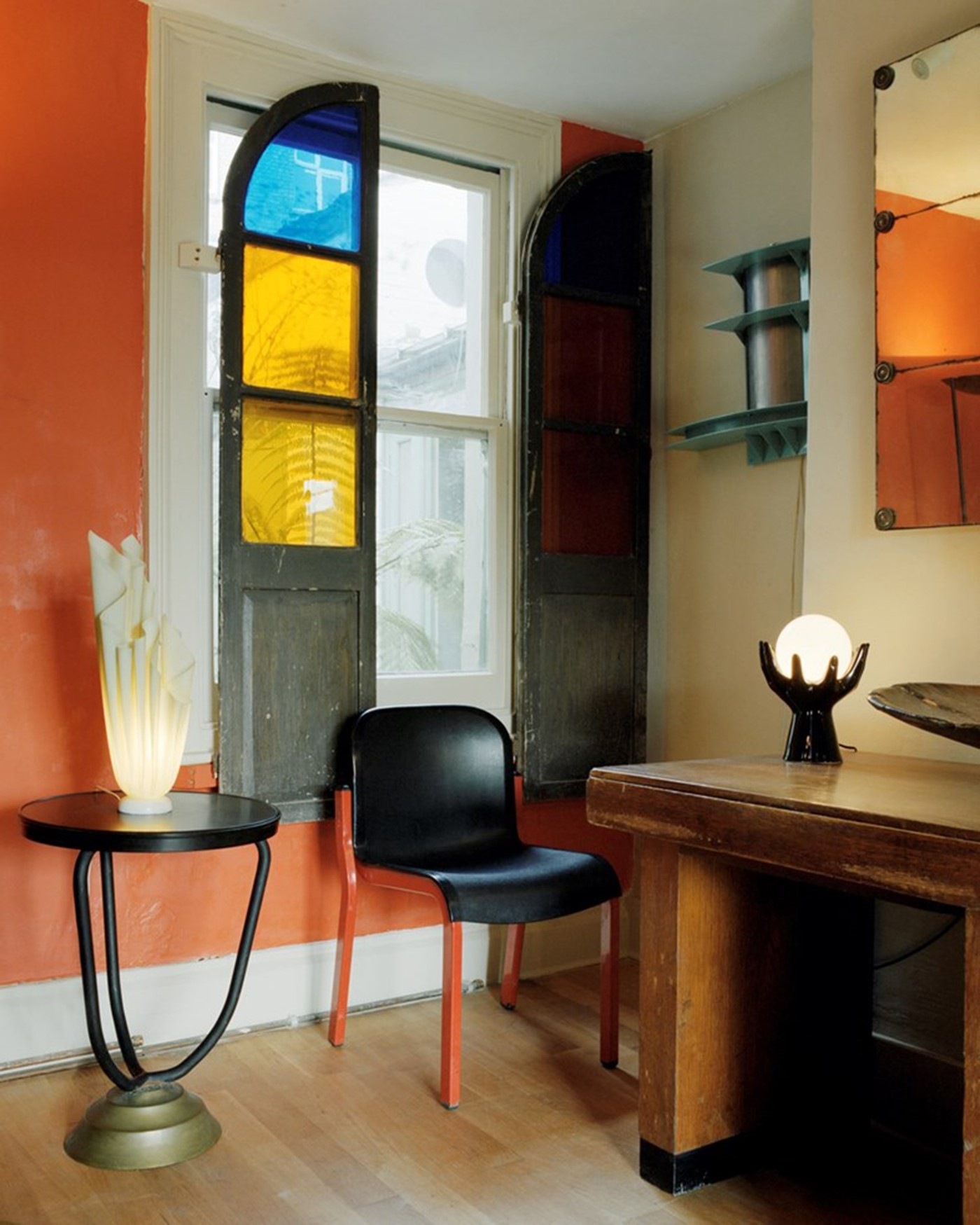The most unusual mid century furniture shop in london for Designer furniture shops london