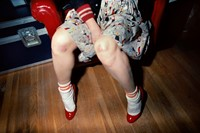 001_Muriel_with_bruised_knees_1980