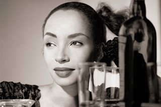 015-Sade-with-Cocktails-1