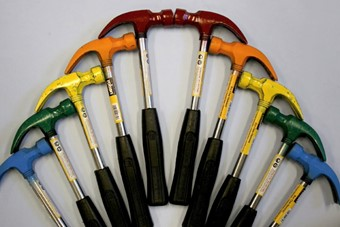 Multi-coloured hammers