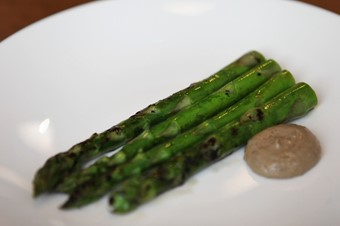 Asparagus with walnut mayo