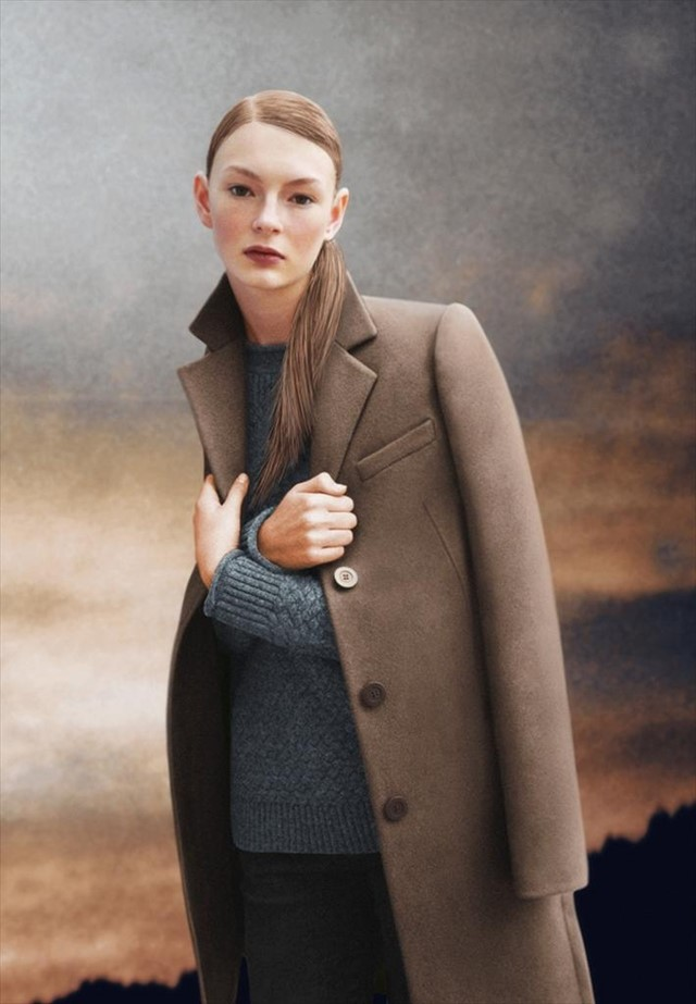 Collared topcoat in tabac, textured stitch jumper and low ri