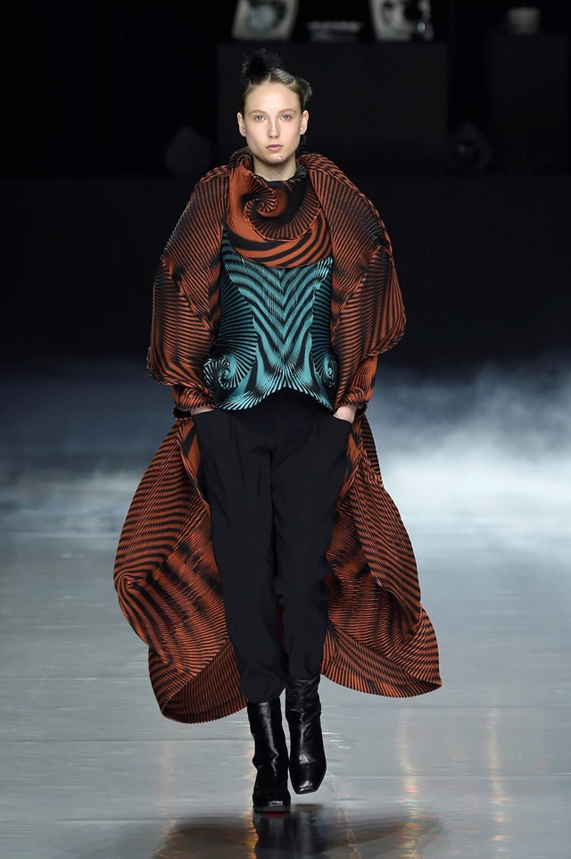 Clothing By Baking It In An Oven By Issey Miyake: Ten Times Op-Art Crossed Over Into 21st-Century Fashion