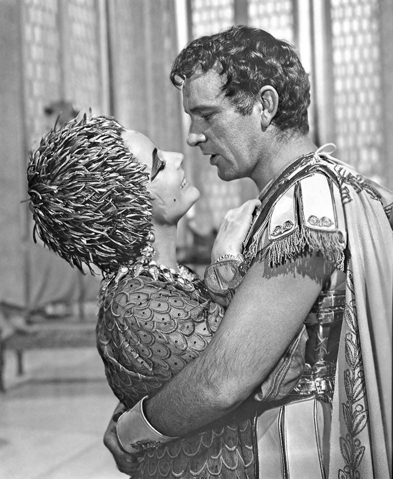 Elizabeth Taylor and Richard Burton in Cleopatra 1963