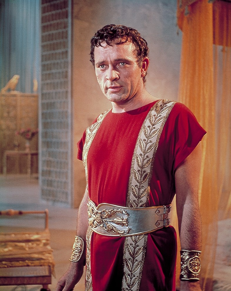 Richard Burton in Cleopatra 1963