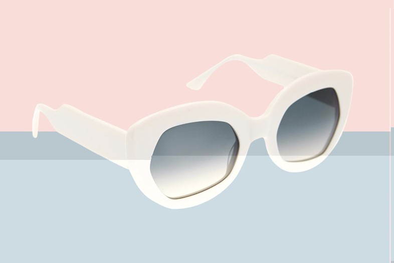 Sunglasses_Article6-glitched-a5-s3-i3-q99
