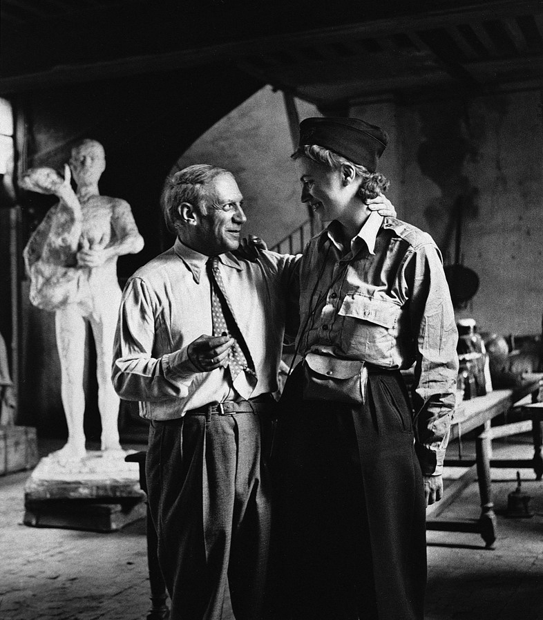 NC0002 1, Lee Miller and Picasso after the liberat