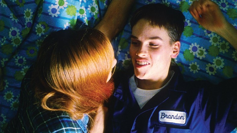 the struggle and discovery of identity in the movie boys dont cry directed by kimberly peirce Hilary swank stars in her oscar® winning role of the true life story of brandon teena in boys don't cry brandon teena is the popular new guy in a tiny nebraska town.