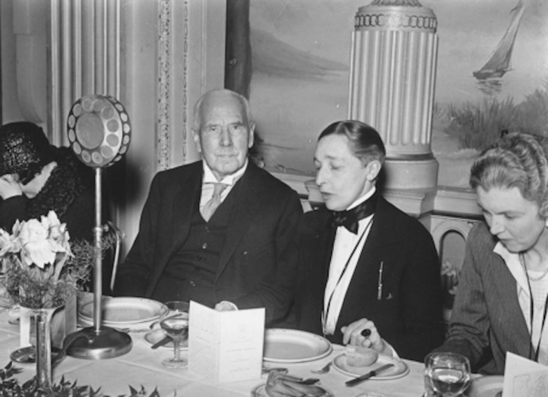 Hall with Sir W. Arbuthnot Lane (left) in 1932