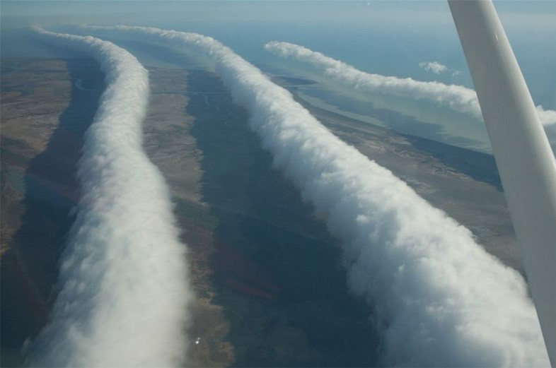 roll-clouds-tube-shaped-arcus cloud-queensland-aus