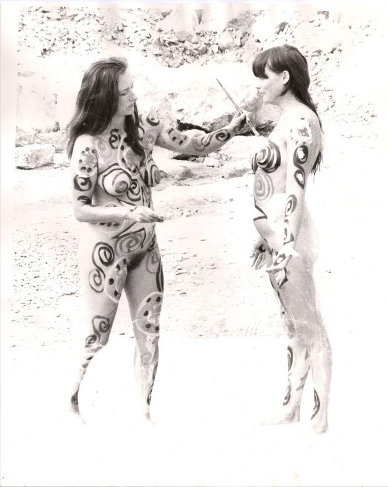 Neo Naturists, Sexist Crabs and The Cosmic Egg, Po