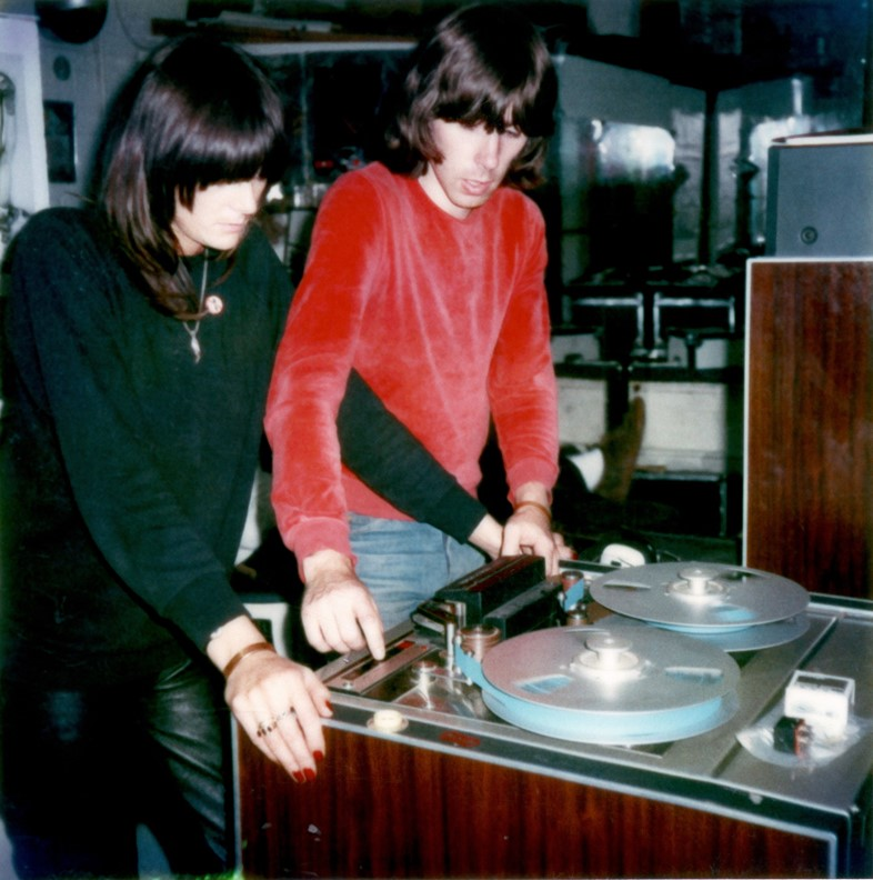 2. Chris Carter _ Cosey Fanni Tutti working a rent
