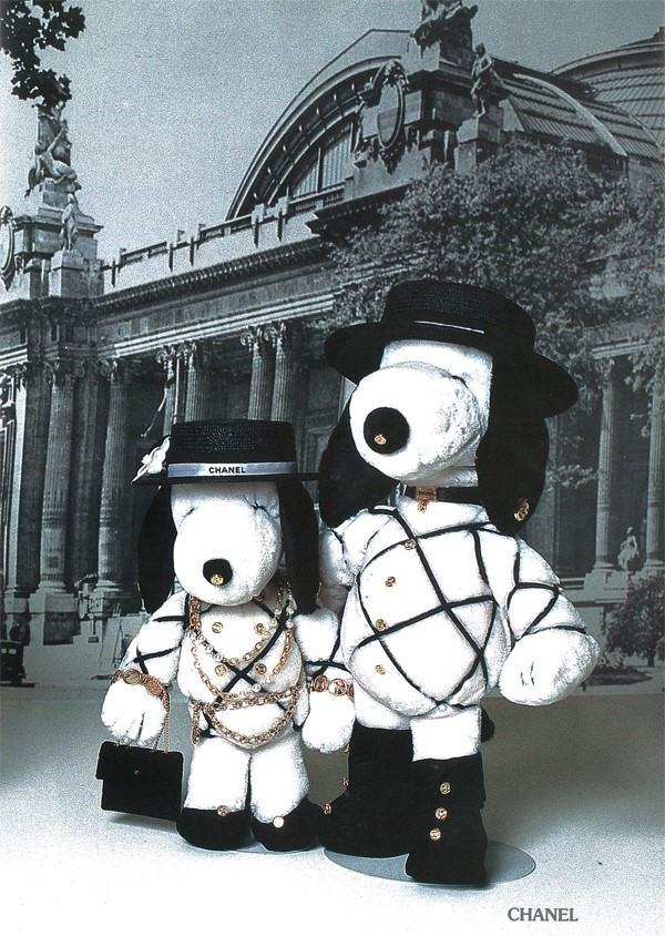 Snoopy dressed by Chanel
