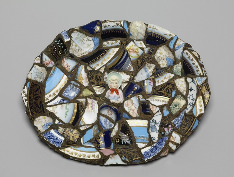Unknown, 1980-799, Tin tray covered with boody including par