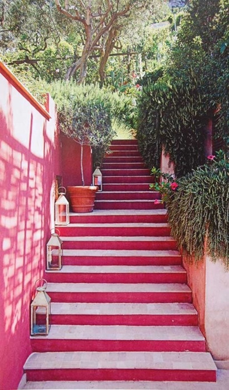 Pink steps in Capri