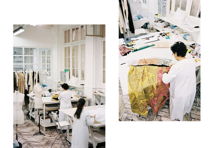 Exclusive the maison martin margiela atelier during for Atelier swarovski by maison martin margiela