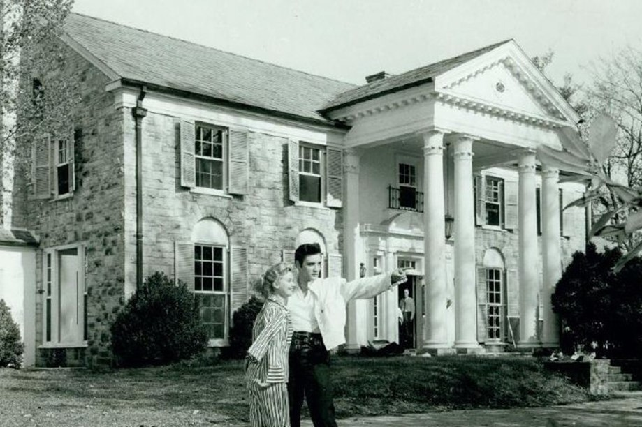 Inside Elvis Presley S Graceland Mansion together with Palm Trees Photo Palm Trees Canvas Palm together with New York City Of 1960s in addition How Rocky Balboa Became White Americas Answer To Boxing further Inside Halliwell Manor A House Thats Charmed. on 70s stairs